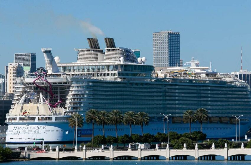 Royal Caribbean reverses, won't require passengers on U.S. cruises to be vaccinated